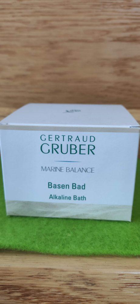 Gertraud Gruber Basenbad Marine Balance